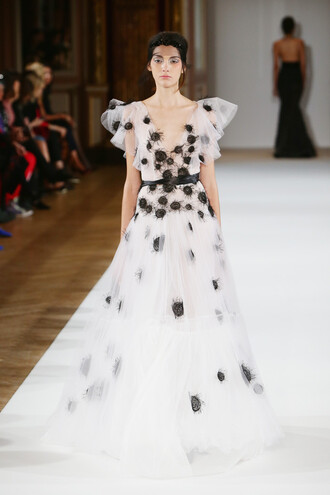 dress gown black and white runway fashion week 2016 haute couture