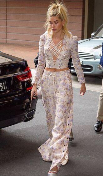 pants crop tops hailey baldwin model off-duty sandals floral