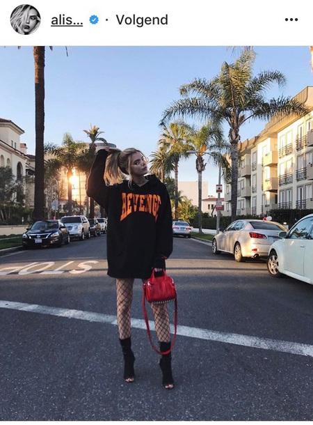 sweater alissa violet hoodie
