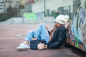 ist by ingrid,blogger,sweater,jeans,bag,shoes,hat,make-up