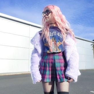 tights kayla hadlington blogger coat t-shirt skirt socks