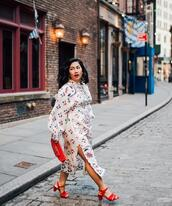 mimi & chichi blog,blogger,dress,jewels,shoes,bag,spring outfits,red heels,sandals,clutch