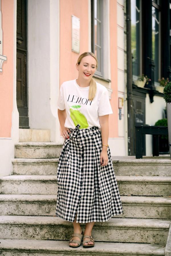 t-shirt zaful gingham skirt midi skirt sandals blogger blogger style graphic tee