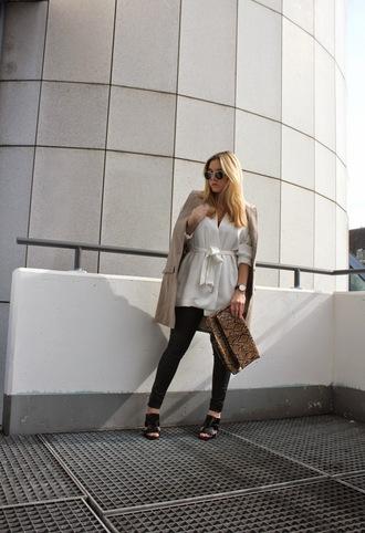 fashion twinstinct blogger peep toe beige jacket pouch