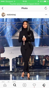 jumpsuit,nicki minaj,black,black jumpsuit,turtleneck,long sleeves,party outfits,sexy,sexy outfit,fall outfits,winter outfits,classy,cute,girly,new year's eve,date outfit,clubwear,celebrity,celebrity style,celebstyle for less