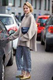 pants,culottes,cropped pants,printed pants,flats,shoes,sweater,turtleneck