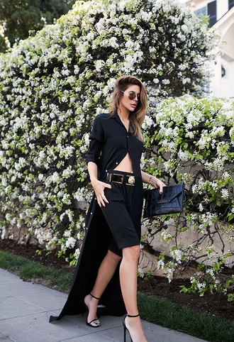 blogger dress medium-size belt black shorts sandals all black everything sunglasses shorts bag shoes