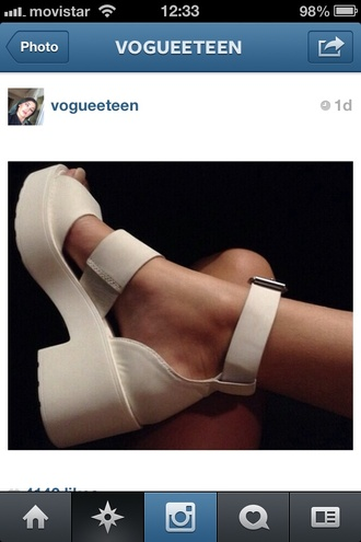 shoes white chunky heels sandals