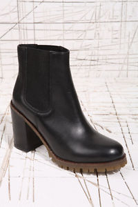 Urban Outfitters Deena & Ozzy Black Teddy Chelsea Boots Block Heel Cleated 6 7 | eBay