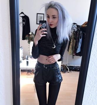 kimi peri blackrush blogger top jewels shorts shoes