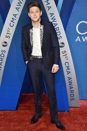 jacket,niall horan,blazer,cma awards,menswear,mens blazer,mens pants,mens suit