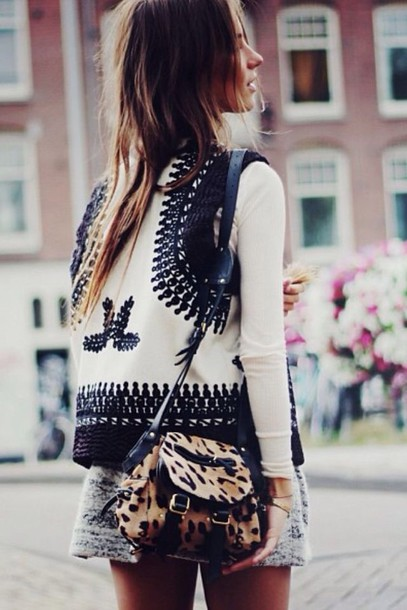 jacket cross-stitch cream vest girl winter coat vest blue white white and blue best blue and white vest top cardigan knit pretty trendy fashion black and white boho jacket boho white jacket bag printed jacket leopard print animal print animal print bag