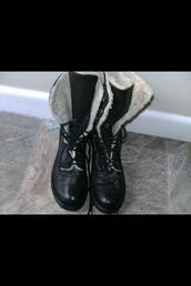 shoes,black,boots,fur,office outfits,black boots,lace up,biker boots,army boots,cream,fluffy,winter outfits,leather