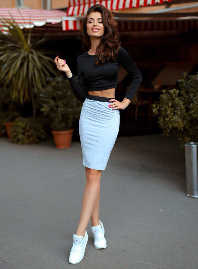 Sexy women in pencil skirts