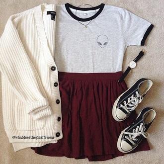 t-shirt alien grunge converse red skirt skirt wine red cardigan grunge t-shirt