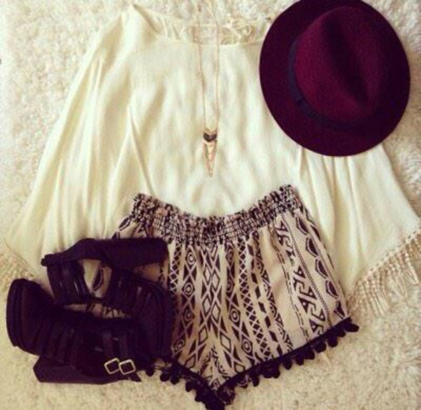shorts beige and black
