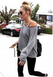 sunglasses,grey,miley cyrus,glasses,sweater,t-shirt,Celeb Gym Clothes,miley cyrus gym clothes