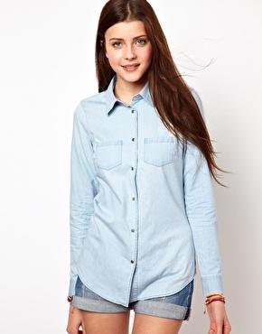 Vero Moda   Vero Moda - Chemise en jean délavé clair chez ASOS