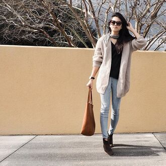 behind seams blogger top cardigan scarf jeans shoes jewels sunglasses bag