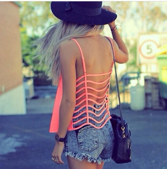 hat top blouse shorts