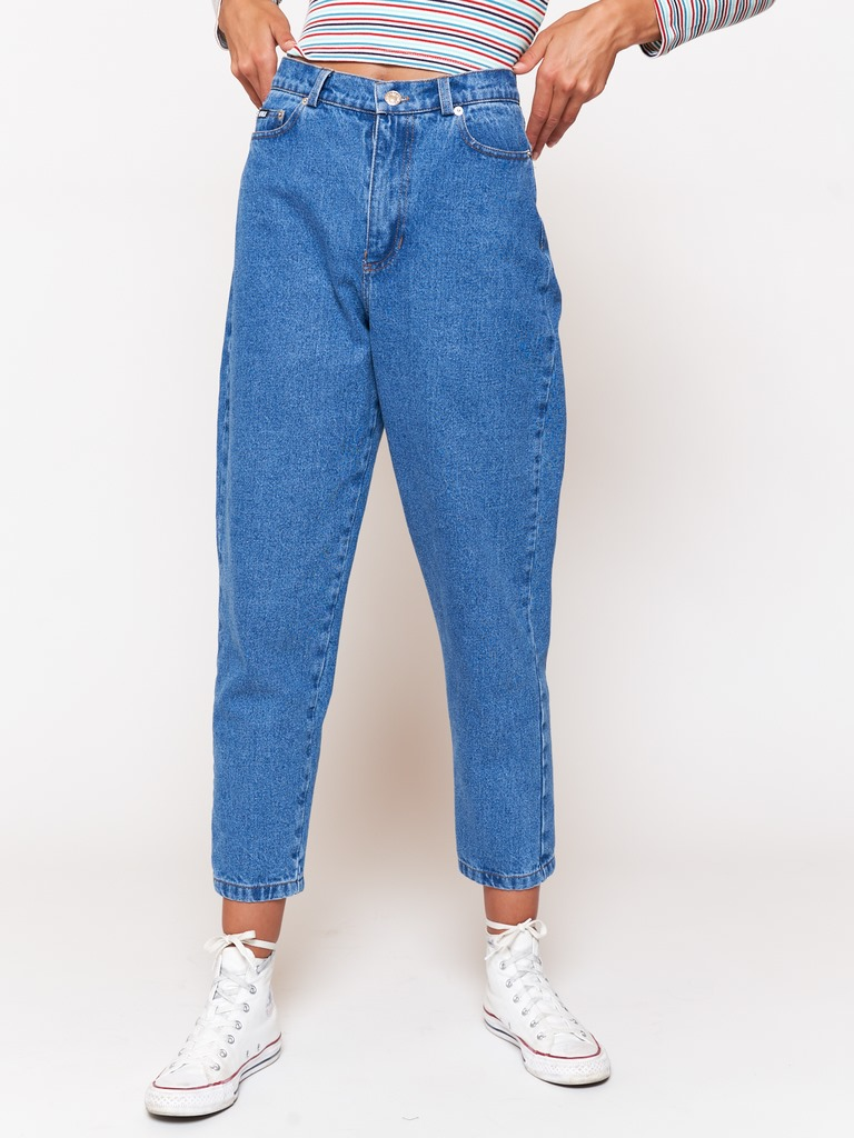 Denim Mom Jeans in Mid Blue
