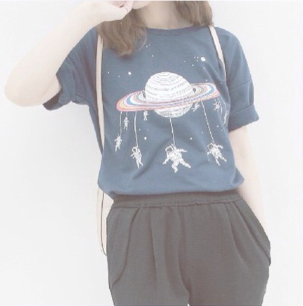 shirt t-shirt spaceman graphic tee