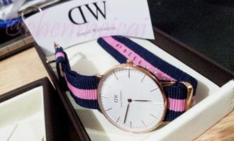gloves pink & blue daniel wellington clock