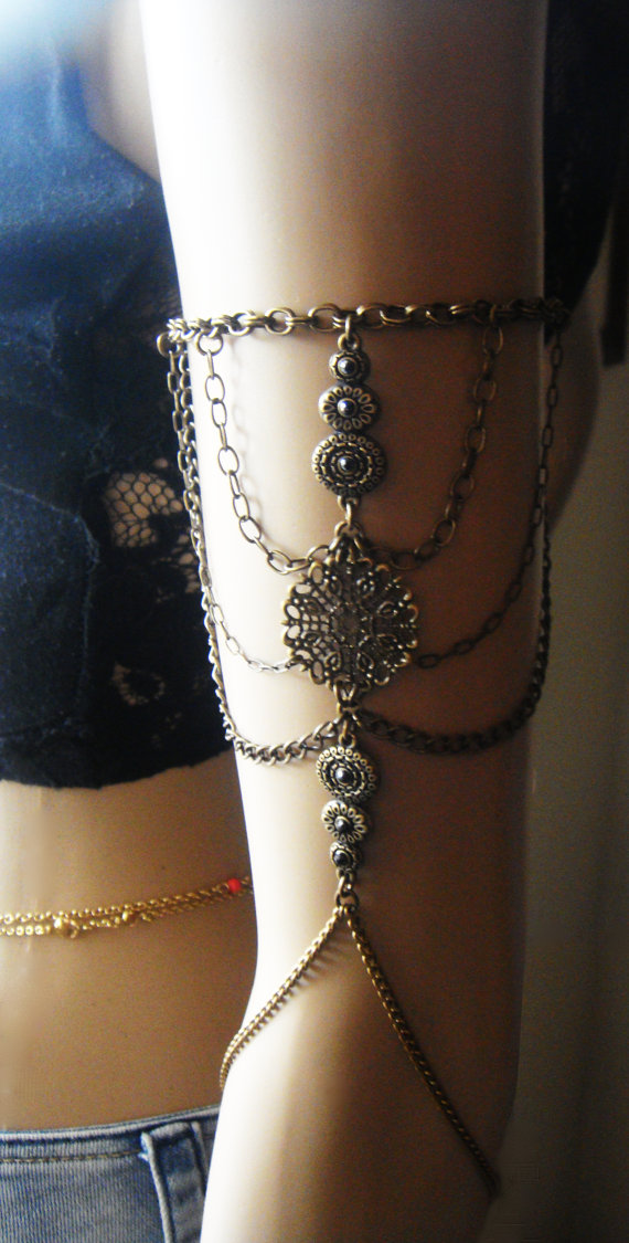Chain Armlet Shoulder armor, chain shoulder jewelry, Shoulder Piece, Shoulder chain .upper arm chain, body chain, unique jewelry