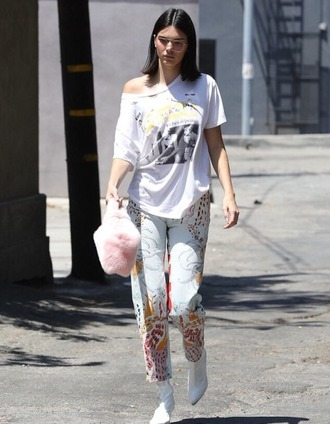 t-shirt jeans ankle boots model off-duty streetstyle kendall jenner kardashians top bag