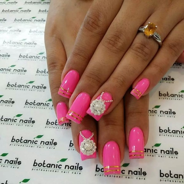 nail polish pink gold nails gorgeous