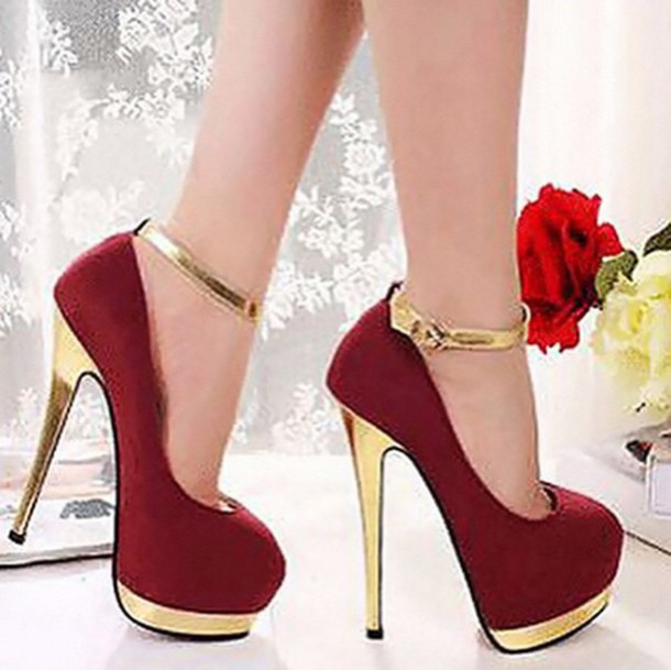 Gold Shoes Medium Heel