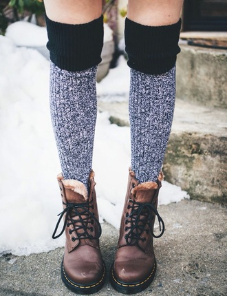 shoes style dr martens? grey brown leather boots leather boots winter outfits outfit socks fashion fur knitwear christmas snow boots cute shoes cute grunge