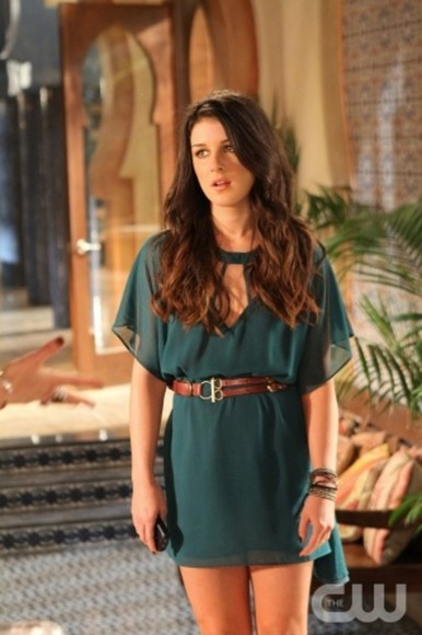 green dress belt shenae grimes 90210 Millau annie wilson