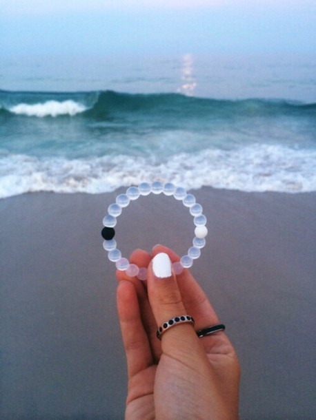 jewels bracelets girly accessories bracelets home accessory bracely bohemian bracelet punk bracelet tumblr pearl pretty grunge jewelry black and white transparent bracellet white black gorgeous moon sun clear bracelet jewelry instagram teenagers yin yang yang spiritual yin yang
