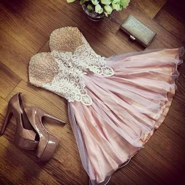 dress sweetheart neckline