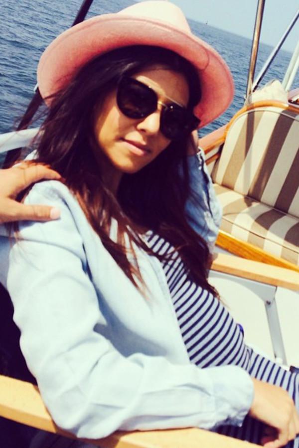 dress kourtney kardashian maxi dress sunglasses
