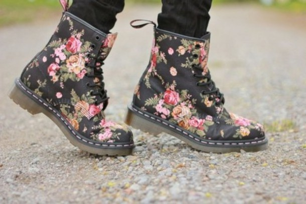 shoes flowers floral drmartens lace up lace up shoes jeans bottoms black red pink. Black Bedroom Furniture Sets. Home Design Ideas