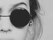 sunglasses,shades,black,hipster,goth hipster,round sunglasses,style,fashion,vintage,lunette de soleil,ronde,noir,petite,black sunglasses,sun