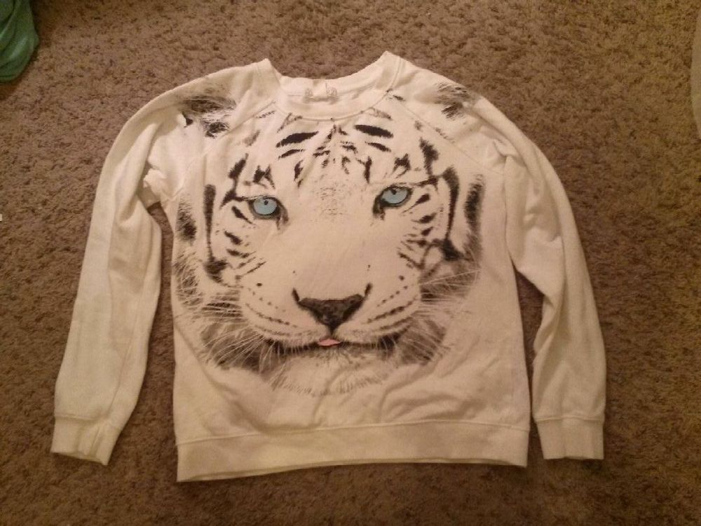 White Tiger Sweater size small from Forever 21, Gently Used