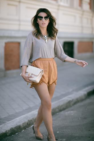 lovely pepa blogger shorts top jewels shoes sunglasses bag