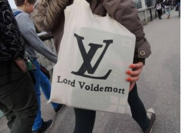 bag lord voldemort harry potter skreened school bag black white dress white bag print louis vuitton louis vuitton bag fabulous lous vuitton bag white tote bag funny