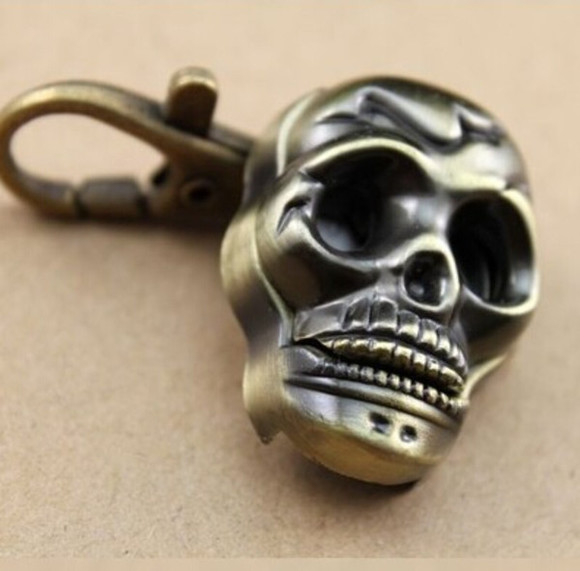 skull jewels key