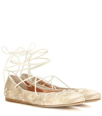 embroidered satin beige shoes