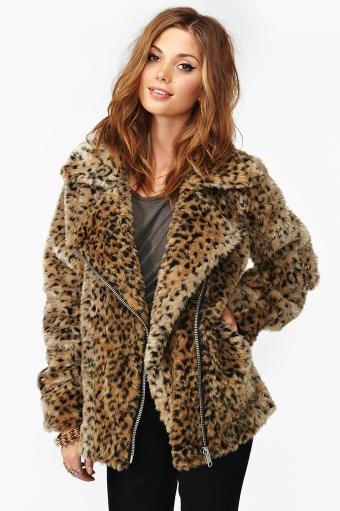 cc5ca96ddec7 Donna Leopard Coat in Lookbooks AUGUST LOOKBOOK: WILD CHILD at Nasty Gal
