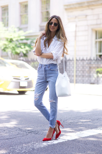 something navy blogger shirt jeans shoes bag sunglasses jewels