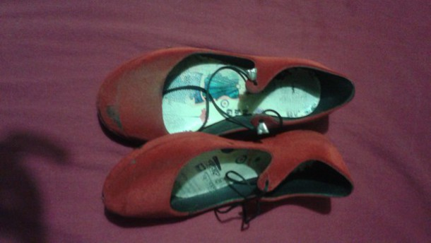 shoes red flats