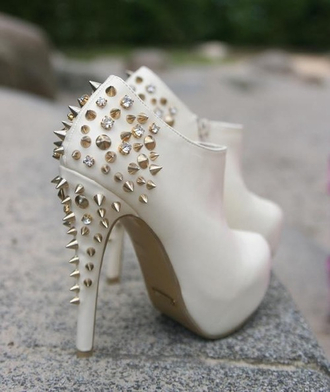 shoes white shoes studded shoes rivets high heels beautiful shoes