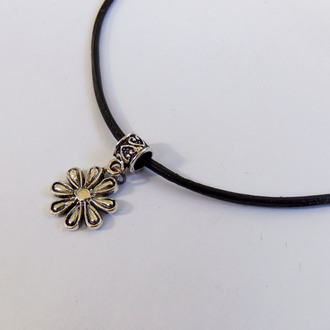 jewels bubblegum graffiti hippie hipster grunge 90s style 1990 90 style leather choker necklace necklace daisy sunflower jewelry accessories pastel goth soft grunge indie
