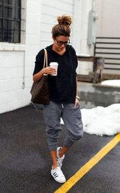 pants,casual,cropped pants,grey pants,sneakers,white sneakers,black sweater,bag,glasses,lounge wear