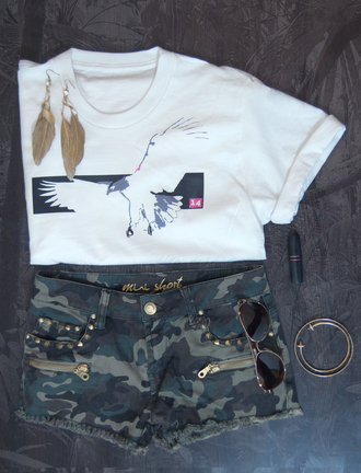 t-shirt white white t-shirt rolled sleeves crewneck shorts gold feather earrings feathers aviator sunglasses jewels top birds animal